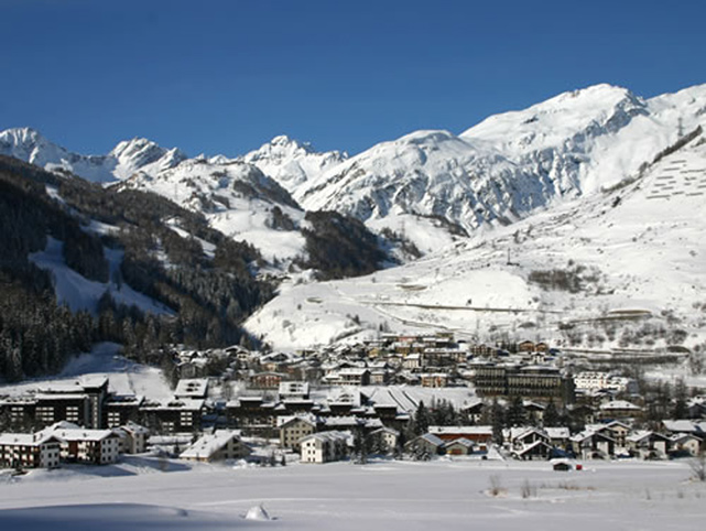 La Thuile Skiing Shopping and Eating near Courmayeur Aosta