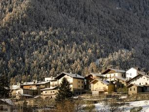 Dolonne Village