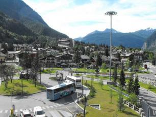 Piazzale Monte Bianco, Courmayeur - Bus Station