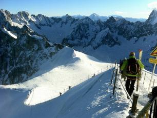 The departure of the Vallée Blanche